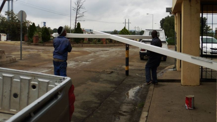 Cross 0083 Lesotho Web 04