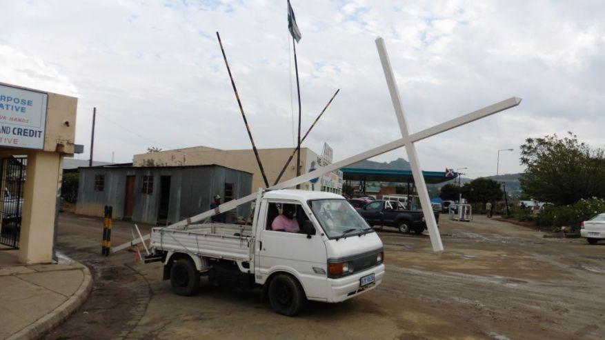 Cross 0083 Lesotho Web 05
