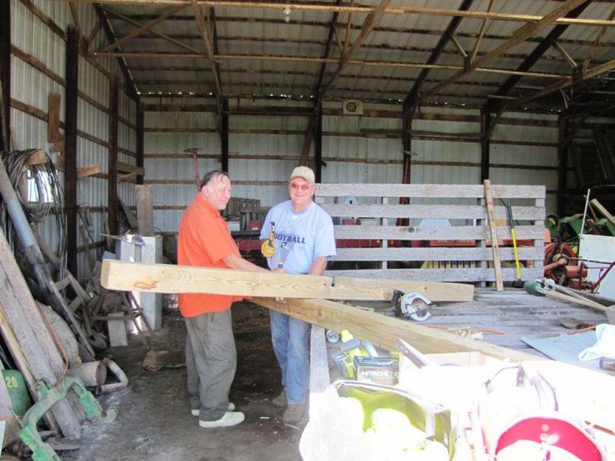03 Cross 0032 Leland, Iowa WEB