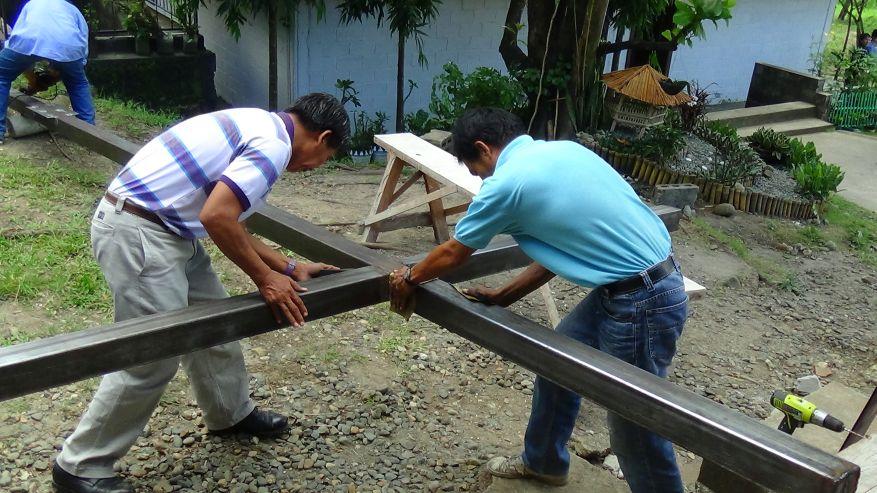 03 Cross 0054 Tarlac Philippines WEB