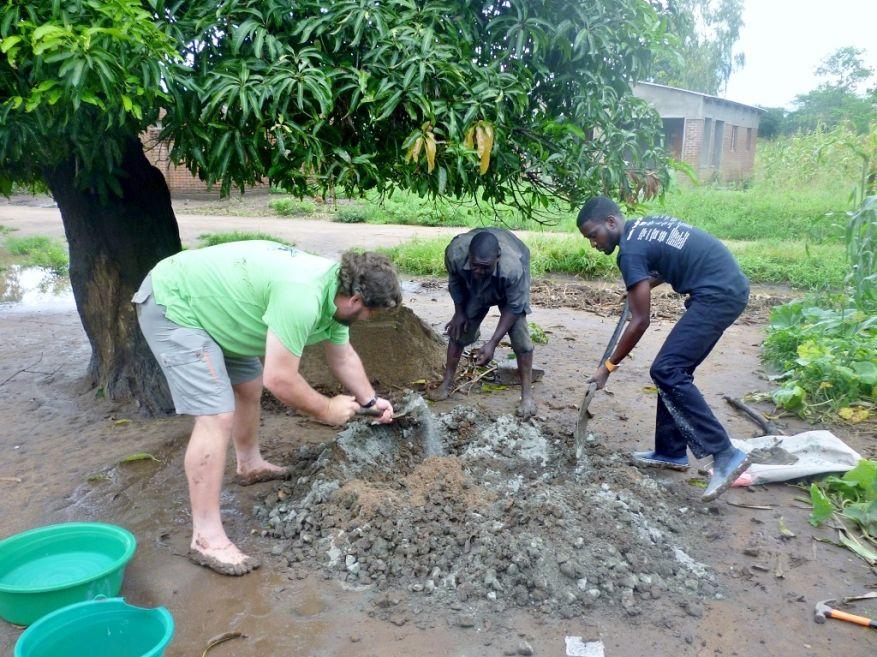 07 Cross 0064 Salima Malawi WEB