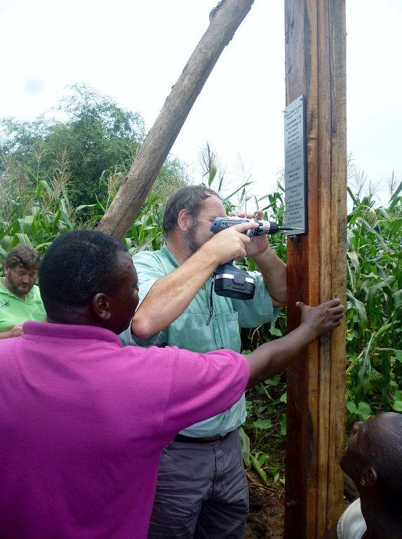 10 Cross 0064 Salima Malawi WEB