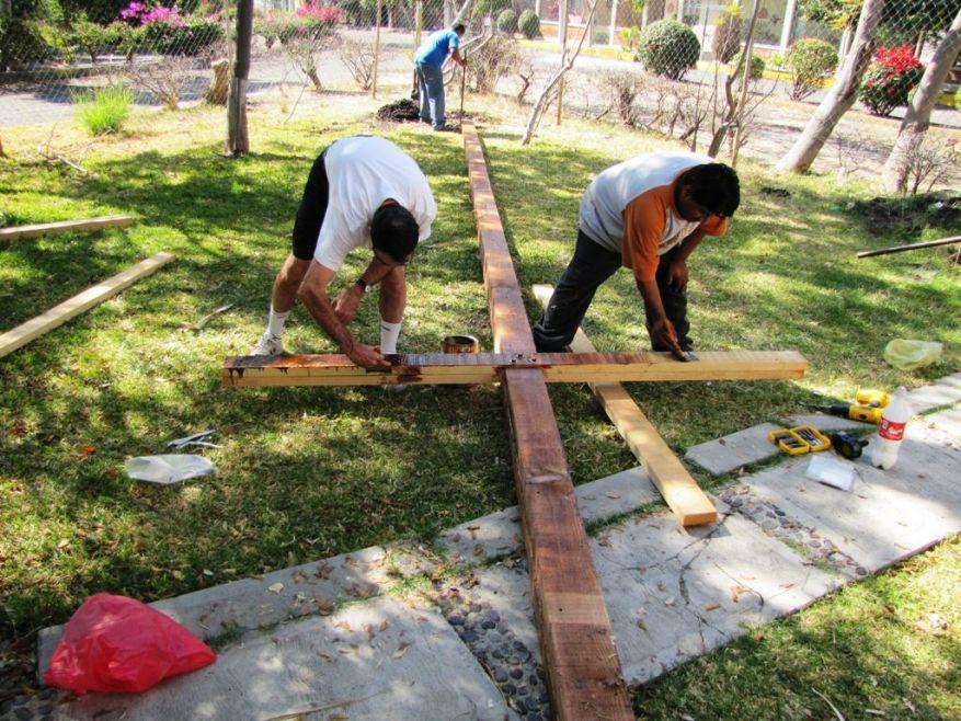 Cross 0018 Atotonilco Mexico WEB 08