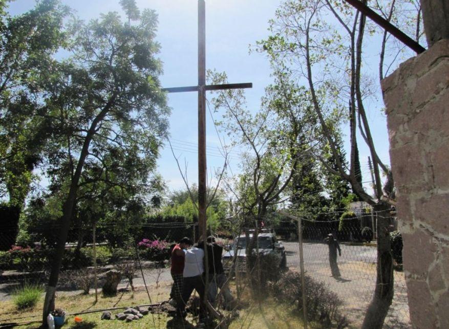 Cross 0018 Atotonilco Mexico WEB 11