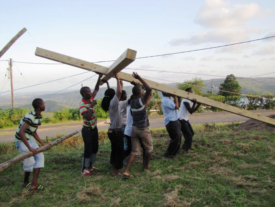 Cross 0047 Molweni SA 2.13.13 web 14