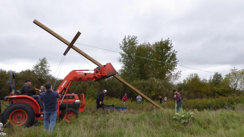 Cross 0119 Hugo MN WEB 08