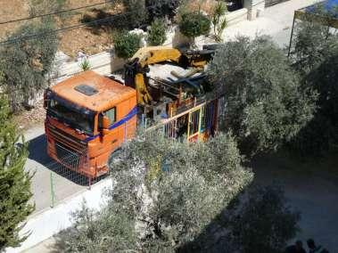 Truck crane arrives with Cross