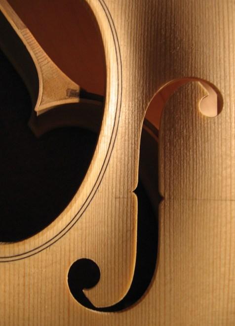 Geigenbau, f-Loch und Einlage/ violin makin, f hole and purfling