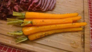 Gestoofde wortels - geserveerd