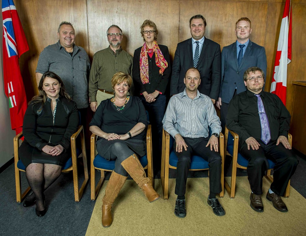 Mike Babinsky top left, Lisa Naylor front, second from the left. Photo courtesy Winnipeg School Division website.