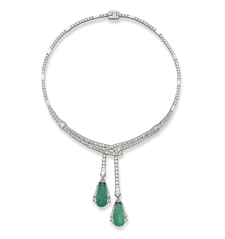 AN ART DECO EMERALD AND DIAMOND NECKLACE