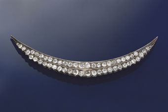 A victorian diamond brooch