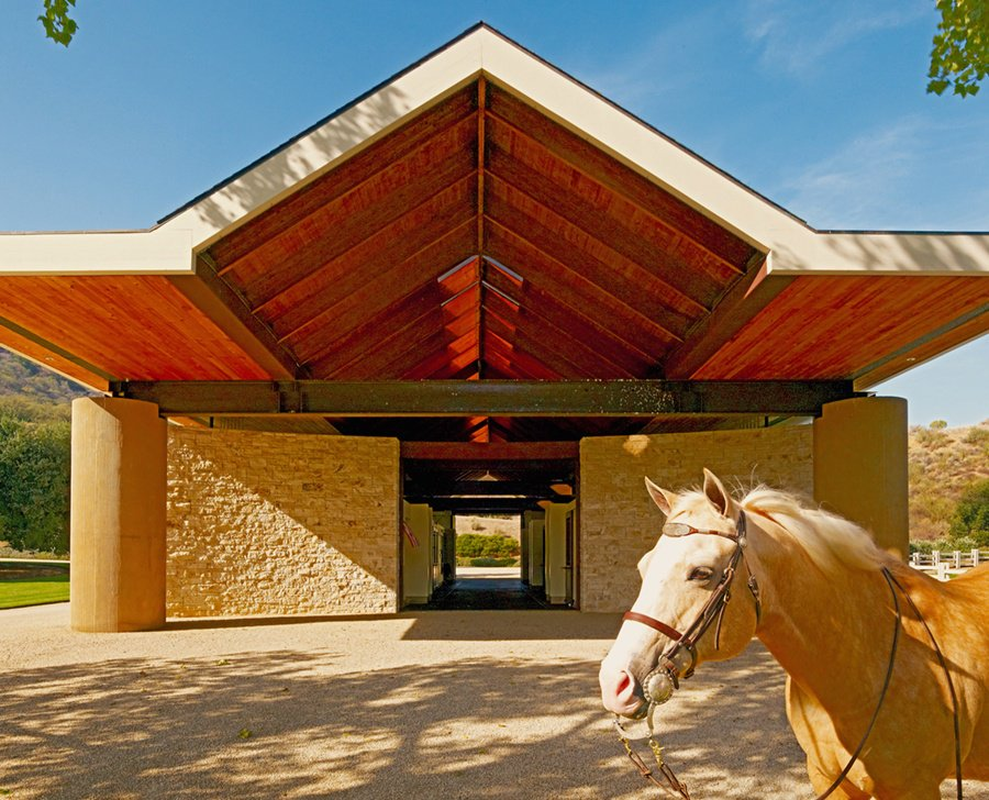 Spectacular Stone Canyon Ranch in Paicines, California, has world-class equestrian facilities and sits adjacent to the rugged mountains of Pinnacles National Park.