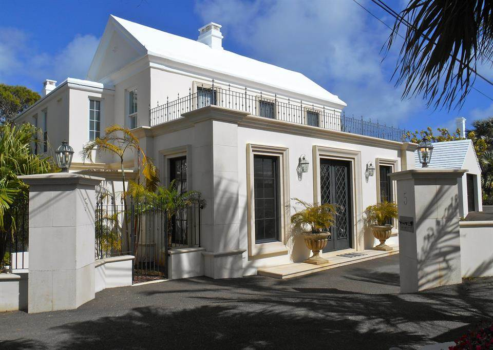 4 Bedrooms, 3,400 sq. ft.Elegant four-bedroom home with pool