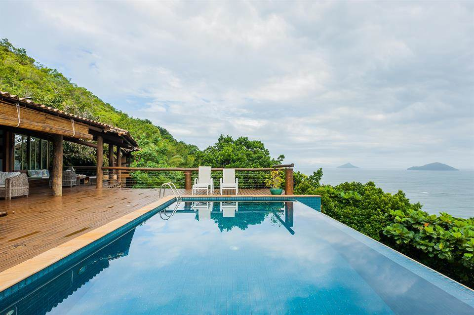 5 Bedrooms, 6,458 sq. ft.Baleia Beach home with private deck and breathtaking views