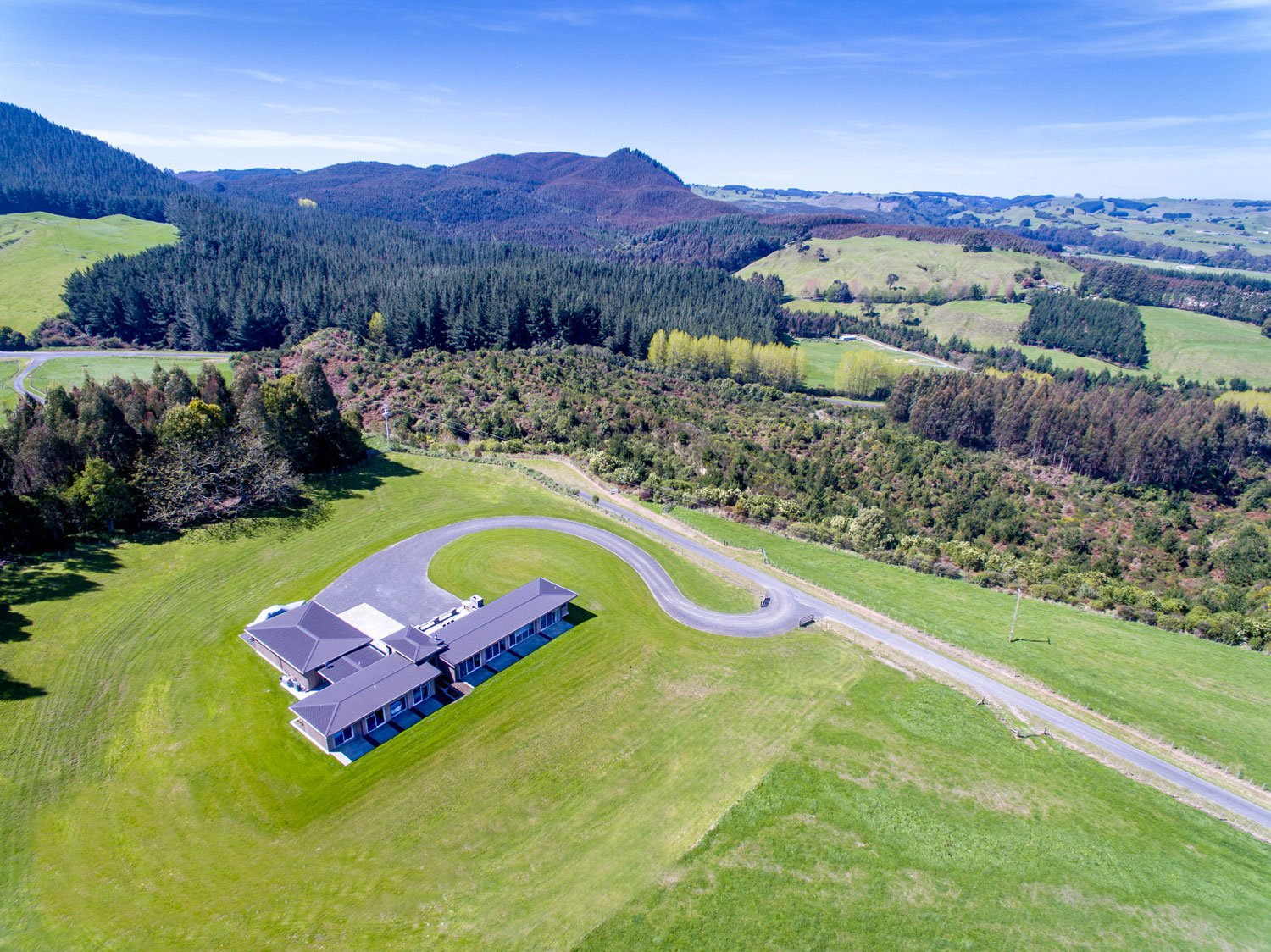 This 265-acre dream estate on New Zealand's North Island is set against the dramatic backdrop of Mount Tongariro and Lake Taupo, New Zealand's largest lake.