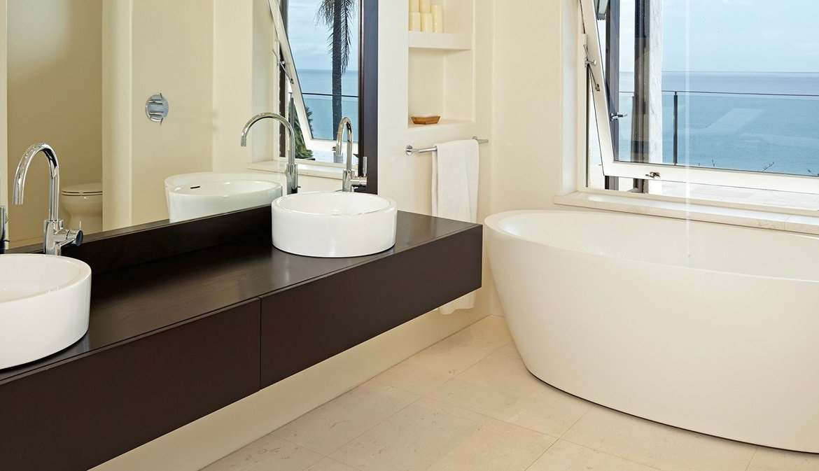 The Art of the Modern Luxury Bathroom - Christie\'s International ...