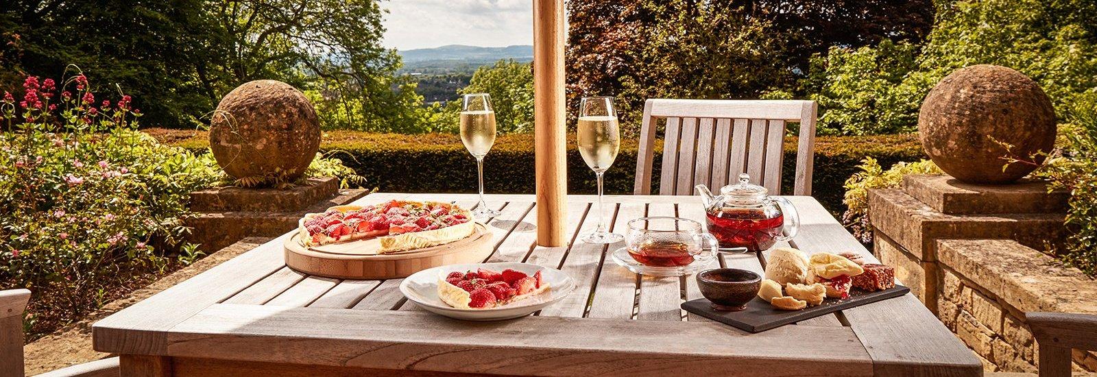 31bb5d8c5bdb The Best Gourmet Restaurants to Visit in England - Christie s ...