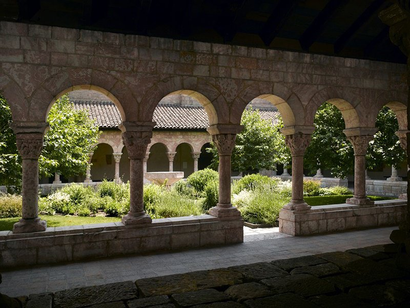 The Met Cloisters in Upper Manhattan, owned by the Metropolitan Museum of Art, brings Medieval European architecture into New York City. It houses more than 2,000 historic artworks and architectural elements.