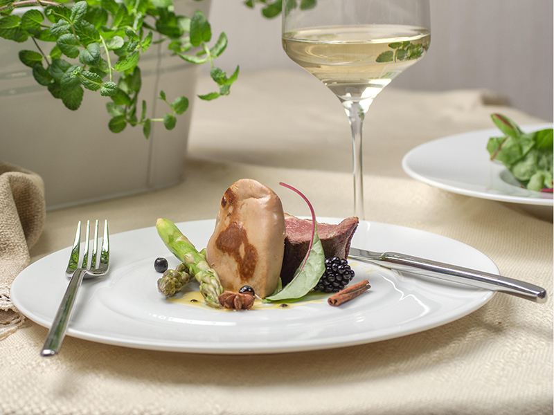 Foie gras with duck, vegetables and white wine
