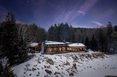 'Tis the Season: 5 Homes in Winter Wonderlands