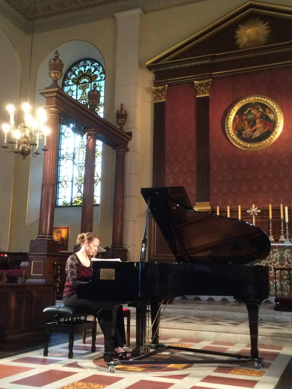 Christina Cooper Pianist