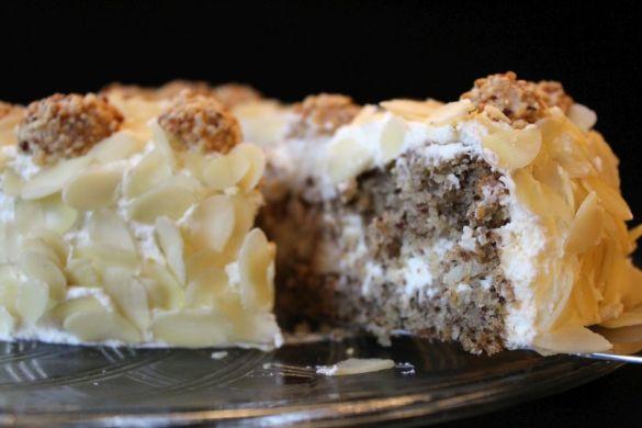 Giotto-Torte mit Sahnecreme