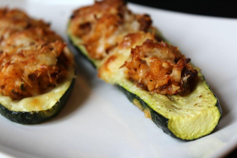 Gefüllte Zucchini mit Faschiertem