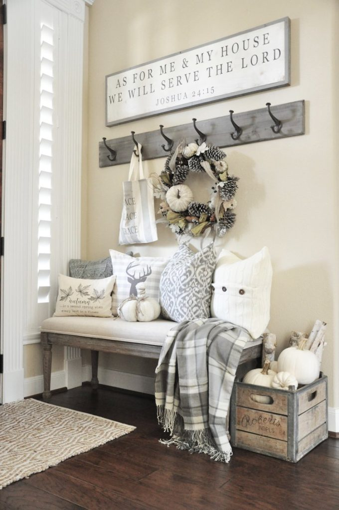 Winter Decorations  After Christmas Decorating Ideas   Christmas     Winter Mudroom