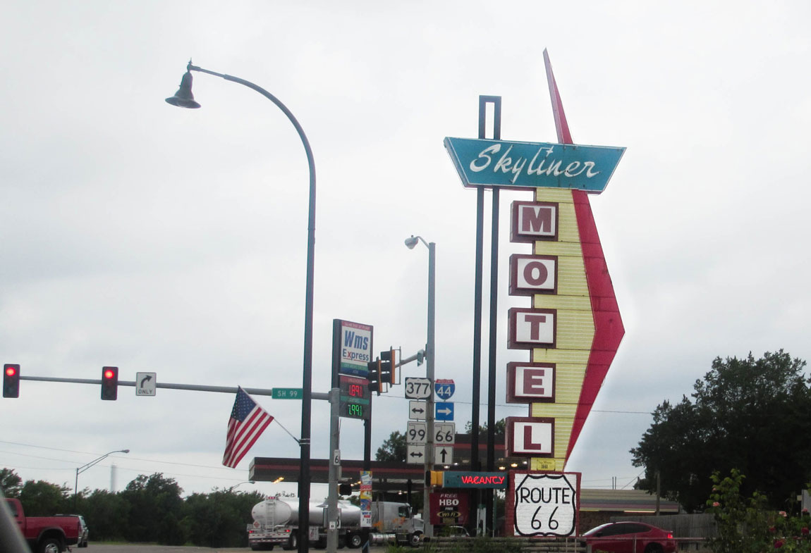 Skyliner Motel in Stroud - Route 66 Oklahoma: All Towns and Attractions to See - Christobel Travel