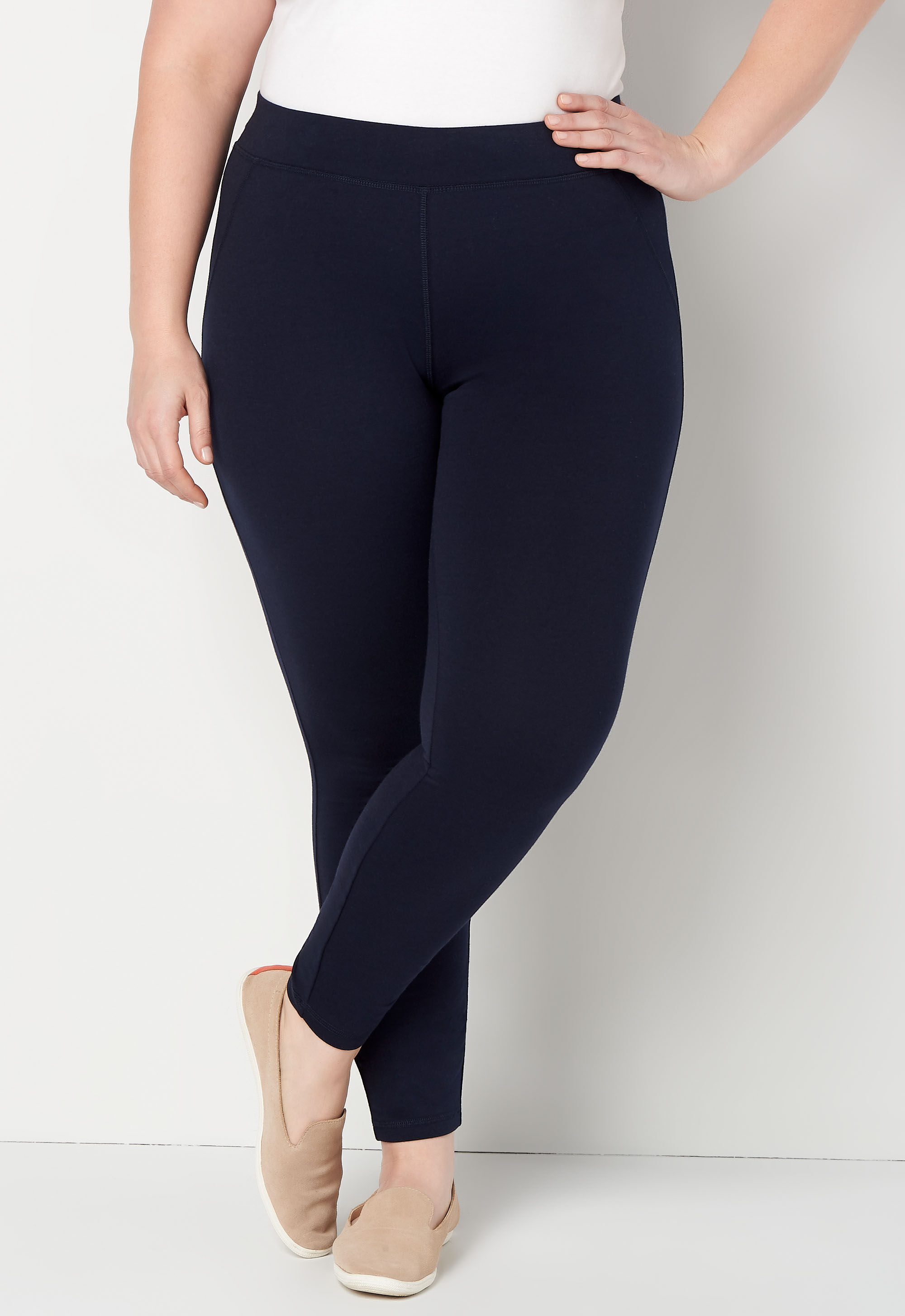 Relaxed Restyled Pull on Plus Size Legging 4