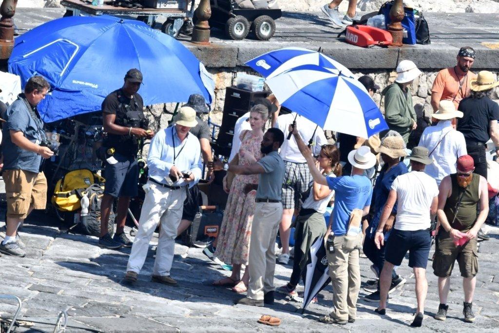 Christopher Nolan, Elizabeth Debicki et John David Washington pendant le tournage de Tenet sur la côte Amalfitaine, Italie, le 1er août 2019