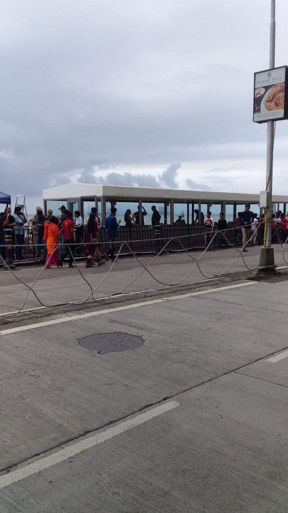 Sur le plateau de tournage de Tenet, à la Porte de l'Inde, le 12 septembre 2019