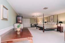 Margarets Room - Christopher Place Resort - 4