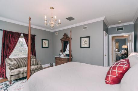 Smoky Spring Room - Christopher Place Resort - 4