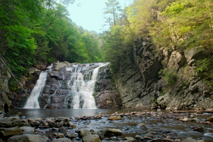 5 smoky mountain waterfalls you need to see smoky mountain waterfalls at laurel falls altavistaventures Images