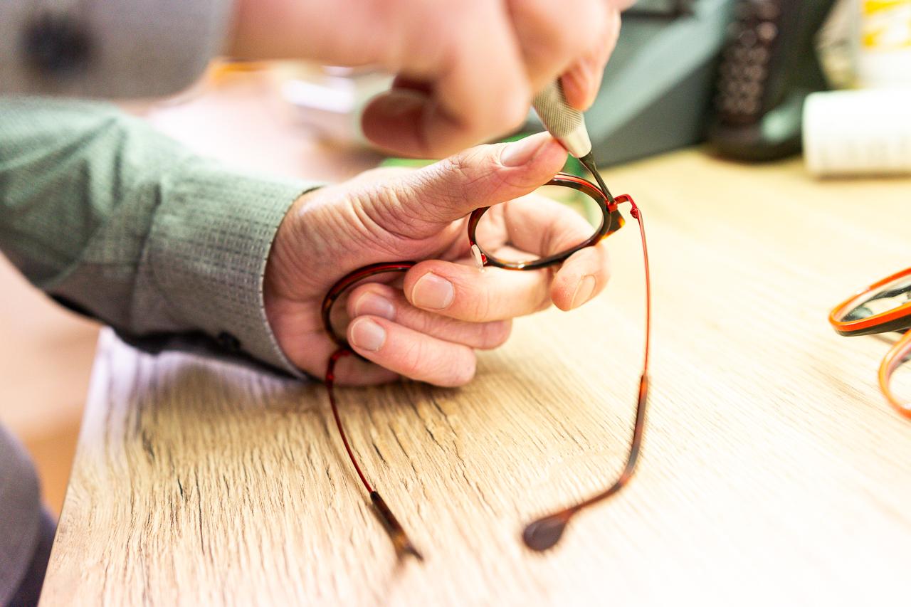 reglage des lunettes opticien ploneour