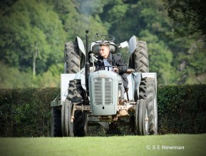 473A6255ChristowTractorsedited