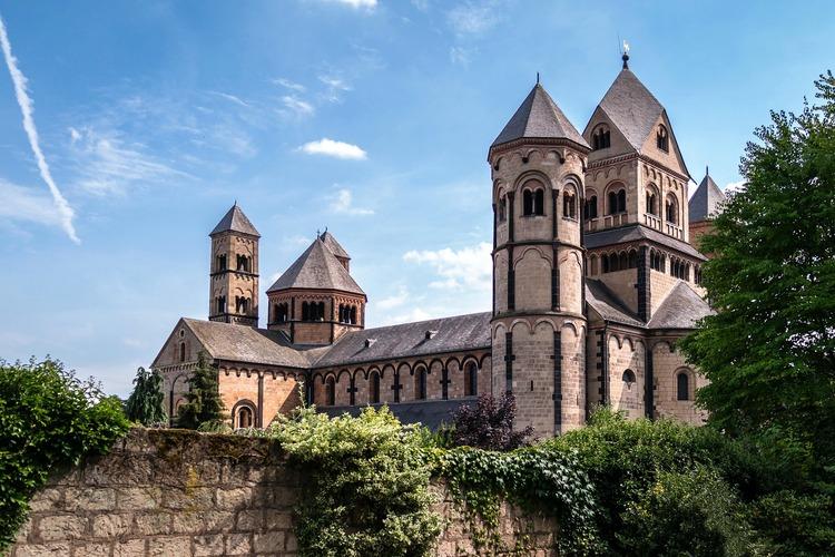 https://pixabay.com/de/photos/kloster-kirche-benediktiner-930047/