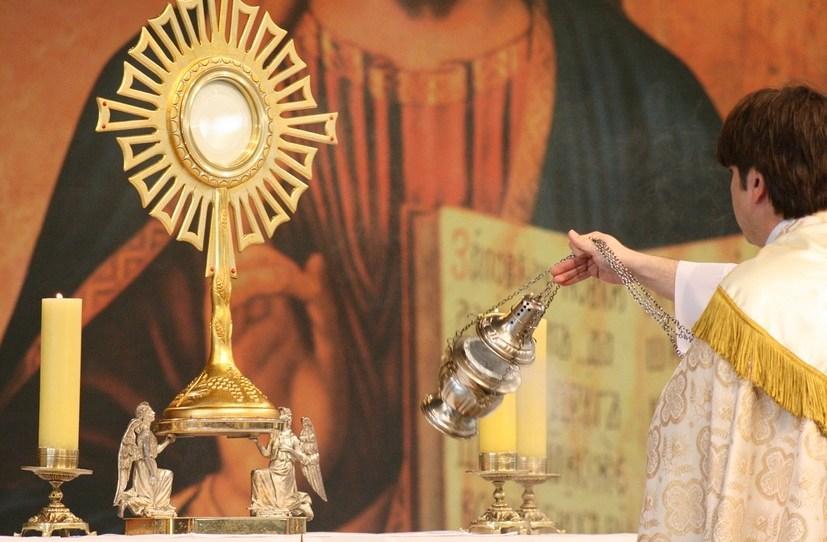 https://pixabay.com/de/photos/jesus-eucharistie-religion-2149897/