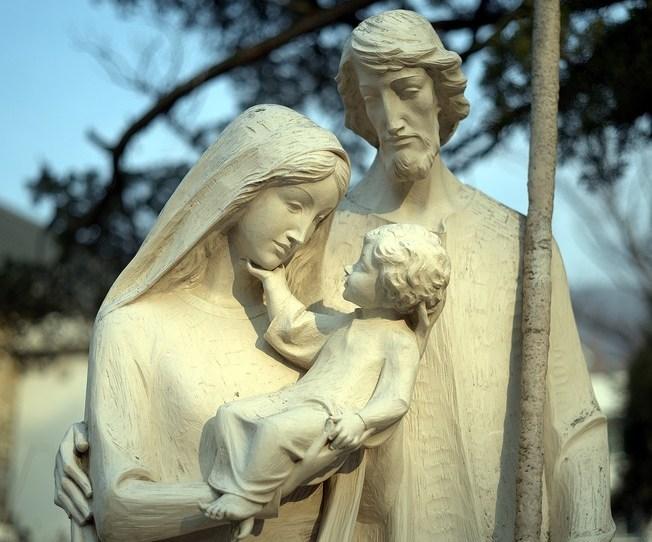 https://pixabay.com/de/photos/katholische-mary-gottesdienst-jesus-4045406/