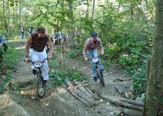 Frank Z and Chris Martados heading into the trees.