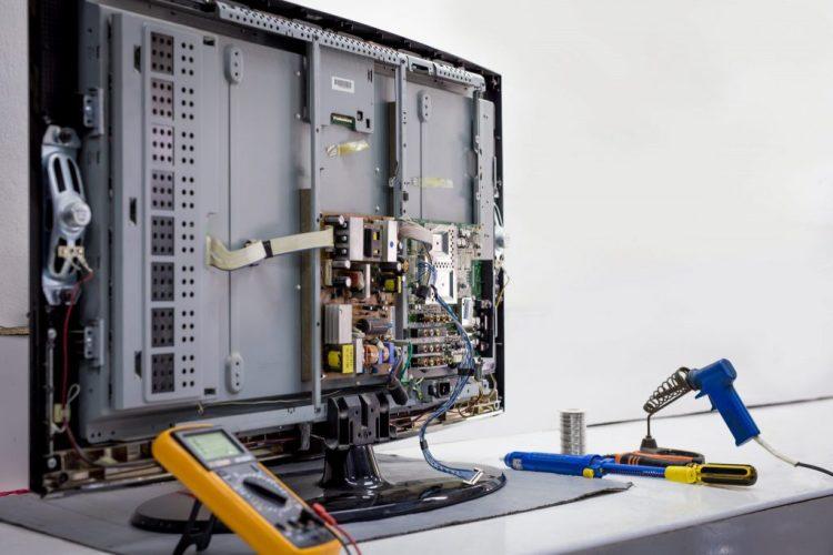 دورة-صيانة-شاشات-الكمبيوتر-صيانة-شاشات-lcd-و-led1