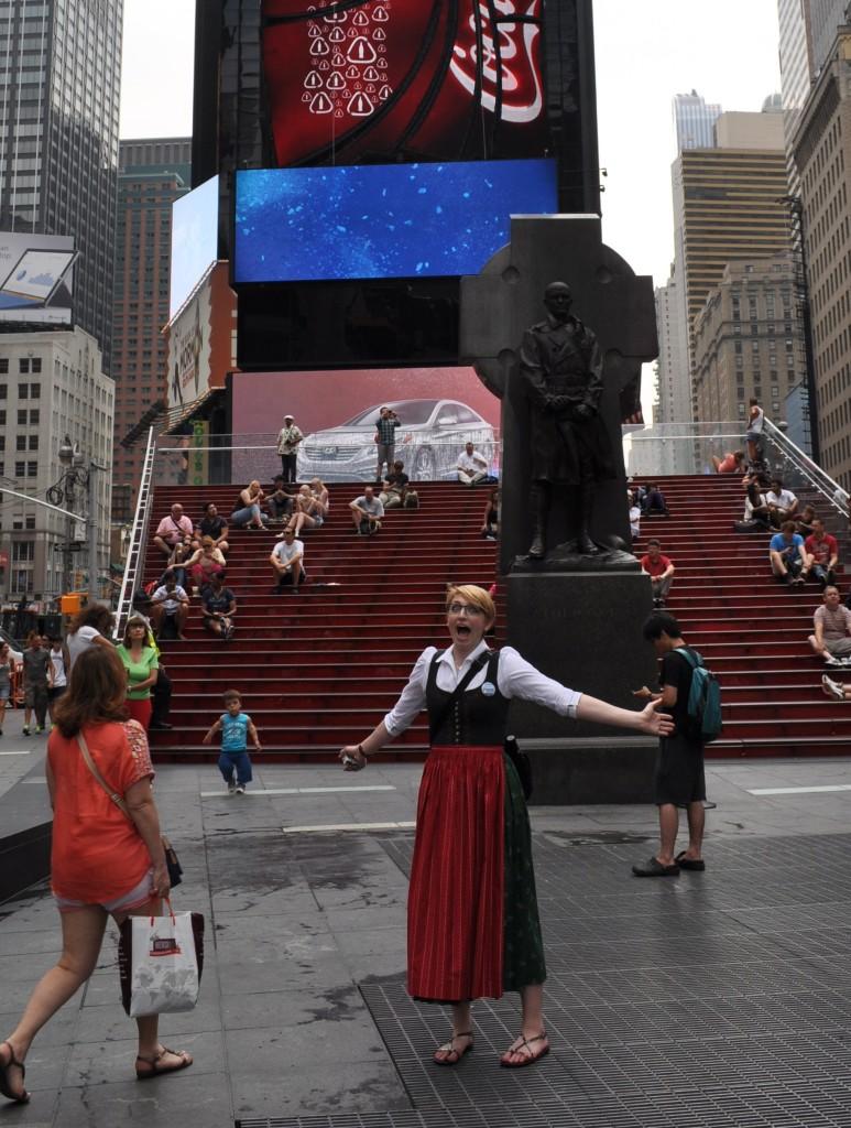 Times Square Viktoria Urbanek Chronic Wanderlust BloggerChallenge