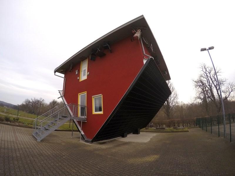 haus kopf über rügen upside down house rügen