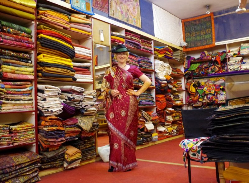 Sari get one in New delhi