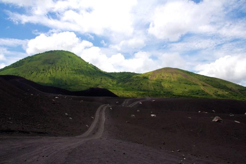 Am Fuße des Cerro Negro ©Hanna Bizjak
