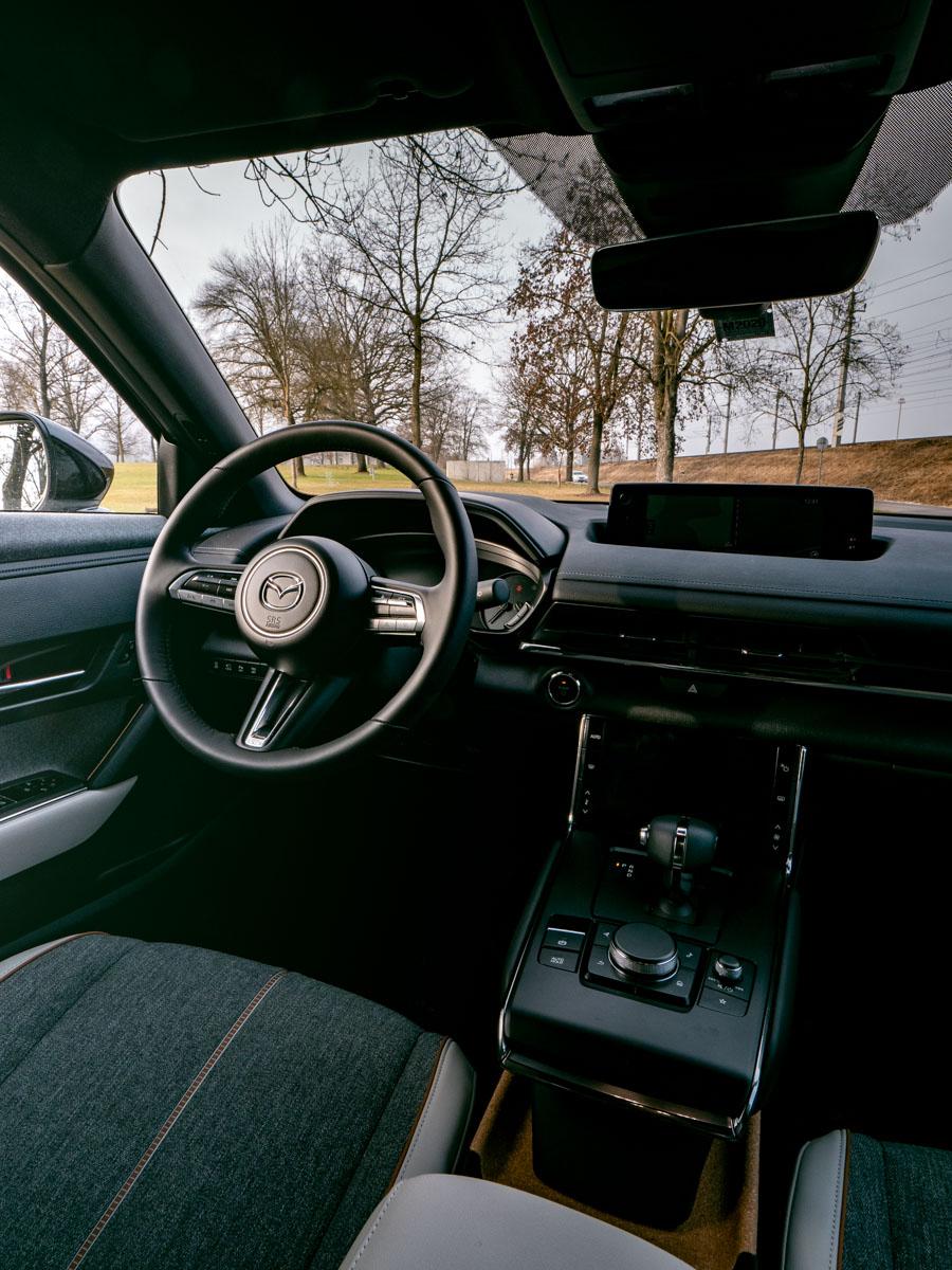 Mazda MX 30 Cockpit
