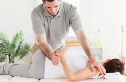 Should You Opt for Chiropractic or Surgery for Sciatica