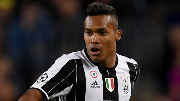 Manchester United are close to completing a £53m move for Juventus left full back Alex Sandro